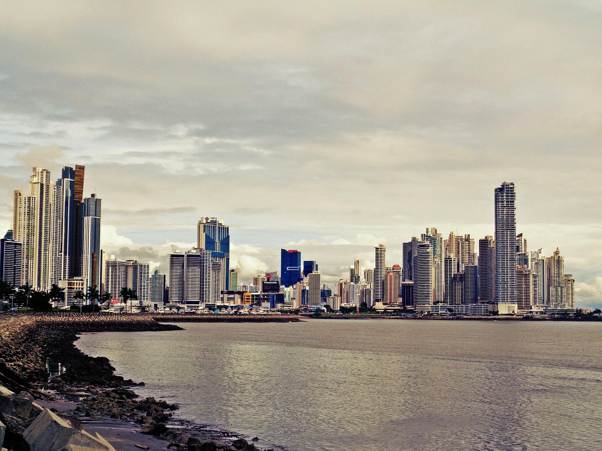 Panama, du Pacifique à l'Atlantique